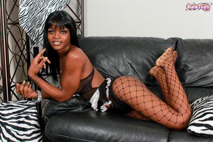 Black Shemale Maid Naomi