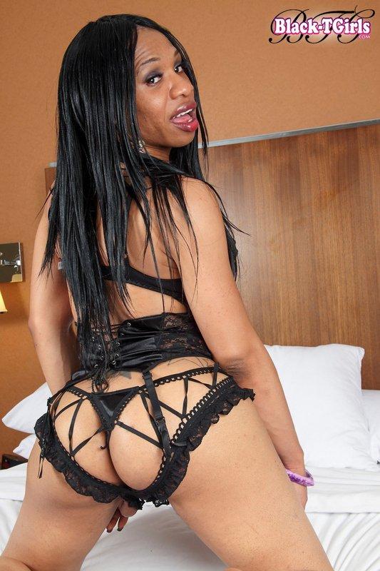 Hot Black Shemale Lisa