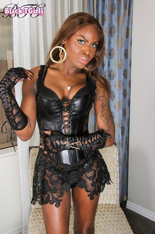 Black Shemale Kourtney