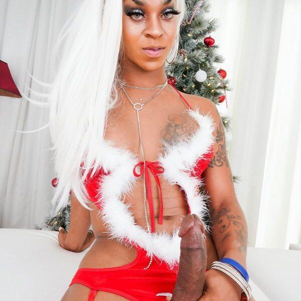 Salina Samone Black Tgirls Cock
